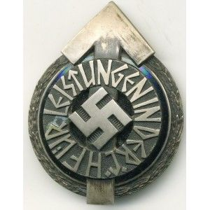 You are bidding HITLER YOUTH GOLDEN PROFICIENCY BADGE in a good condition.