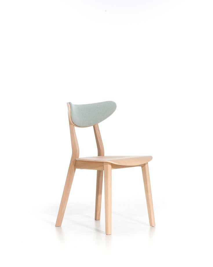 Krzesło LOF A-4239 marki Paged Collection. Znajdź więcej na: www.euforma.pl #krzesło #pagedcollection #chair #furniture #home #design #polishdesign