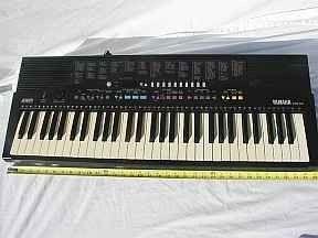 Large Yamaha Electric Keyboard PSR 210 with instruction on CD Rom - $65 (Northeast Thornton)