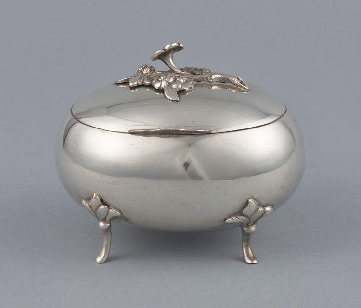 Silver sugar-bowl by Józef Różański in Warsaw, 1789, Muzeum Warszawy