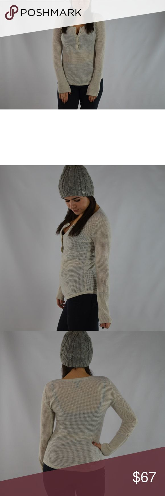 AQUA CASHMERE Women's XS Cream and Gray Blend Top Wear this women's, extra small, cream and gray blend Aqua Cashmere top and you'll feel warm and cozy for the Fall or Winter. The cream and gray color allows you to wear this long sleeve top with any outfit! SKU in warehouse is # 13517 Aqua Tops Tees - Long Sleeve