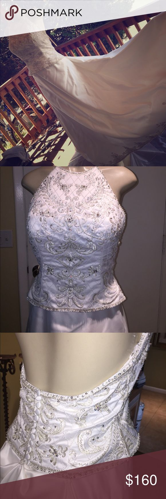 NIB Wedding gown. Price flexible 🎉🎉🎉 Size 10. Never worn or tried on. My mom bought it for her sister who was engaged but broke it off. Sadly I'm not sure if I can ship it with the box. Its from a local boutique. Bought for $400 on sale. It's a shame we don't fit it/ not getting married any time soon. Price flexible in order to help make your dreams come true! 🤗 I maybe able to include the box... however I would not be sure how to mail it. Upgraded shipping labels go by weight. This is…