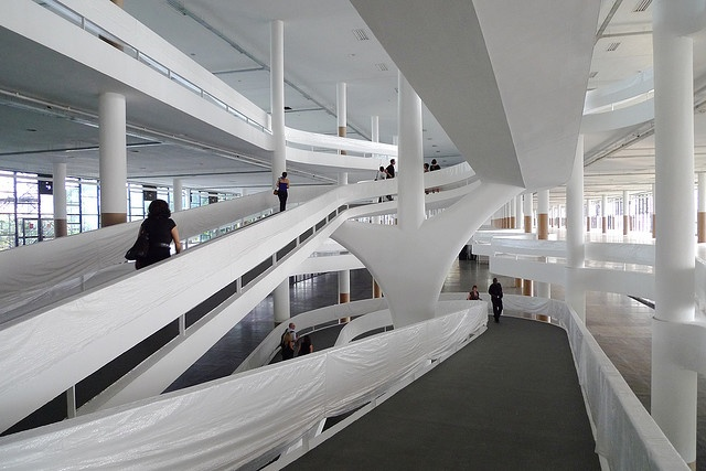14820051 additionally Museum furthermore No One Escapes From Le Corbusiers Raising R  Trend Richard Meier Oscar Niemeyer Snohetta likewise Brazil Olaf Heine TeNeues also R  Stairs. on oscar niemeyer ramps