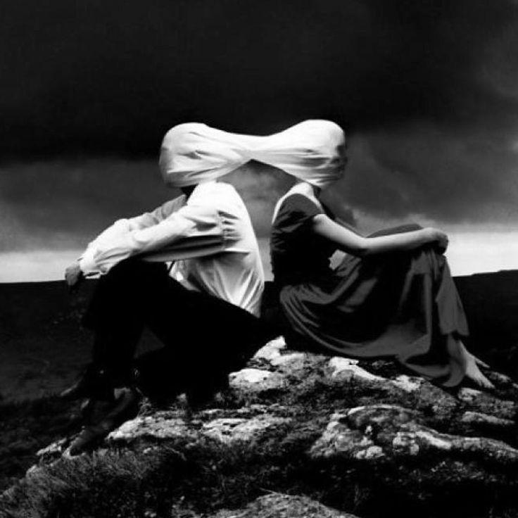 """""""Non esiste via di scampo con gli ottusi. La ragione cede il passo alla cieca convinzione del nulla. Sono una piaga per l'evoluzione... Chiusi nella loro sterile bolla. Sordomuti e stolti senza speranza"""" D.   #davidemelis #cantautore #pensieri #considerazionimattutine #ilgenereumano #ottusi #secondome #secondoMelis #lorifarei"""