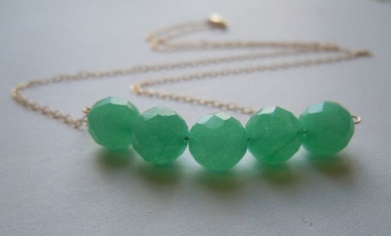 necklace: Bridesmaid Necklaces, Beads Necklaces, Green Jade, Necklaces Perfect, Green Necklaces, Necklaces Jewelry, Jade Necklaces, Necklaces Color, Green Colors