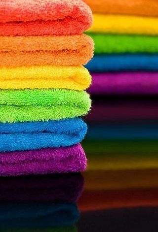 towels: Colour, Kids Bathroom, Most Popular Pin, Rainbows Colors, Towels Cakes, Rainbows Towels, Beaches Houses, Families, Bright Colors