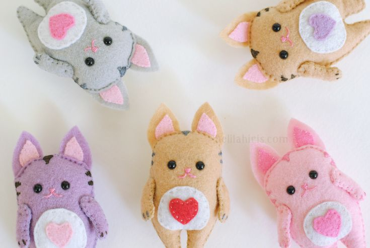Mini Kitty Felt Ornament Pattern Felt Kitten por DelilahIris