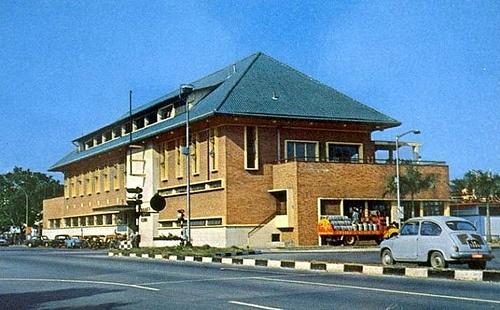 The Britannia Club, Singapore 1960s.   THE LIBYAN Esther Kofod www.estherkofod.com