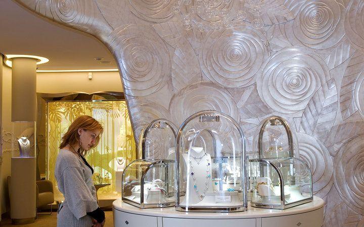 Tours Worth Taking: Jewelry Tour of Place Vendôme in Paris