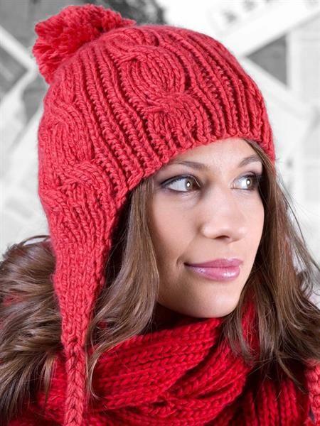 Женская шапка с ушками спицами