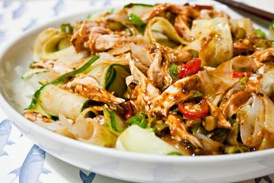 3 hungry tummies: Liang Ban Ji Si Fen Pi 涼拌雞絲粉皮 Cold Chicken Salad With Cucumber, Mung Bean Sheet And A Tangy Sesame Paste Dressing