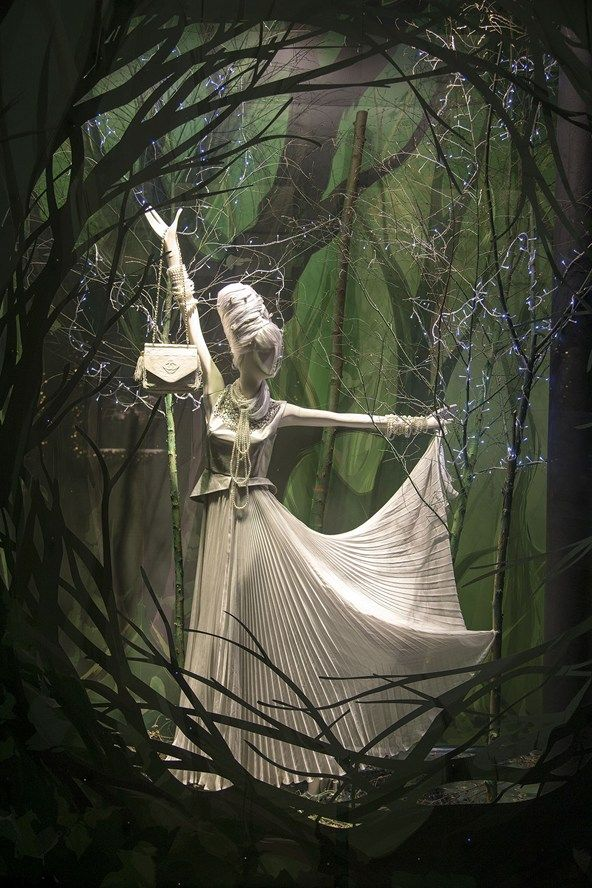 Christmas Window Displays 2014 – Harrods, #WindowDisplays #VM