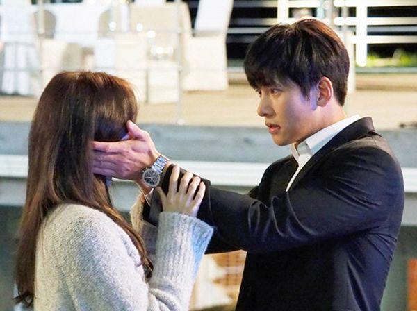 """""""K2"""": Được Ji Chang Wook ôm nhầm, Yoona sướng ngất ngây - Ảnh 23."""