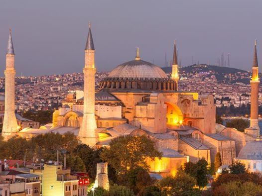 Bu hafta sonu İstanbul'da büyüleyici bir tarih yolculuğuna çıkmaya ne dersiniz? Plan yapmadan önce İstanbul'un en güzel hazinelerine göz atmayı unutmayın: http://bit.ly/1nNlvmq  #etstur #KeskeTatilOlsa #tatil #holiday
