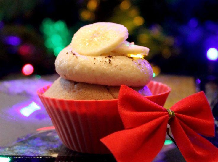 Fudgy Cupcakes sunt rezultatul unei combinatii unice de arome si texturi. Fara gluten, fara grasimi adaugate si fara zahar adaugat, insa nu sunt deloc fara gust.