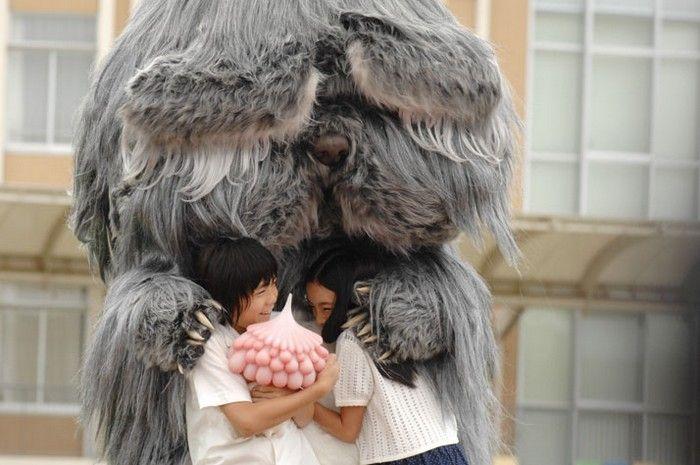 JELLYFISH EYES – ХУДОЖЕСТВЕННЫЙ ФИЛЬМ ОТ ТАКАШИ МУРАКАМИ (TAKASHI MURAKAMI). (6 ФОТО) Новое же их воплощение появится и в кинематографе. Ведь маэстро решил снять художественный фильм Jellyfish Eyes, героями которого, помимо людей, будут и упомянутые выше фантастические создания.   Читать всё: http://avivas.ru/topic/jellyfish_eyes__hudojestvennii_film_ot_takashi_murakami_takashi_murakami.html