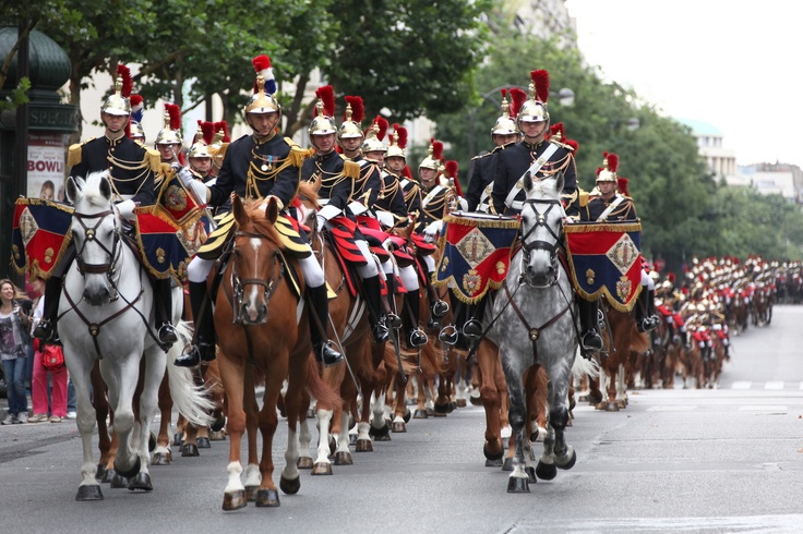 On the 14th July, it was the French National Holiday (Bastille Day), with the traditional march-past. Here are the Garde Républicaine (Republican Guard), a military police unit based in Paris, which renders official honors and guards official buildings.