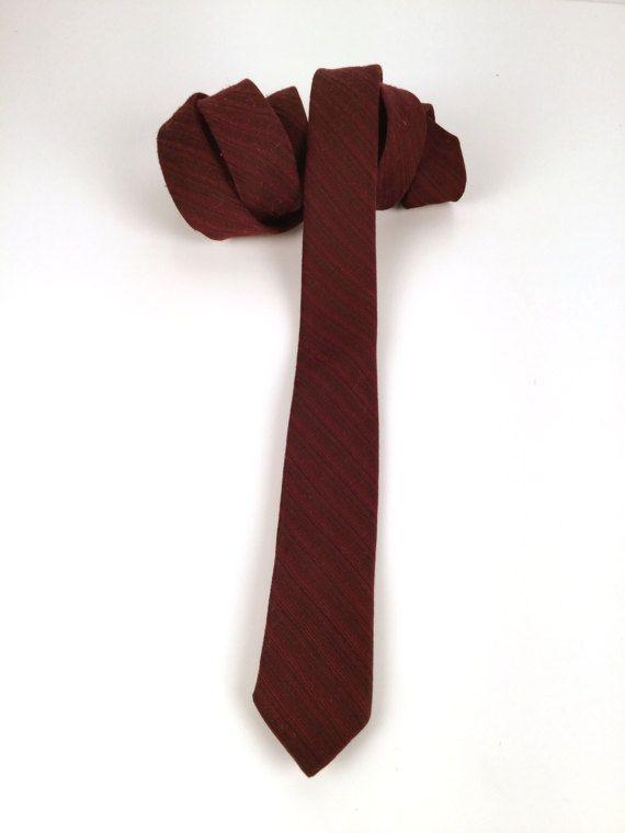 Vintage 60s Mens Skinny Tie Burgundy Diagonal by idcmasculine
