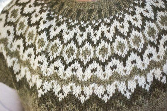 Veturlidi pattern for shortsleeved Icelandic lopi by Linnah
