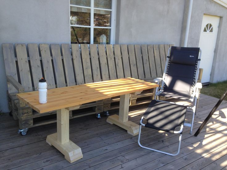 Hjemmesnekret bord med kun restematerialer, 170x58.  Skal pusses før det skal få et lag med beis