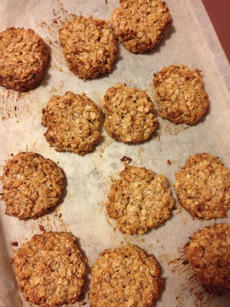 Power snacks - Oat and banana cookies. Adapted from The Healthy Chef