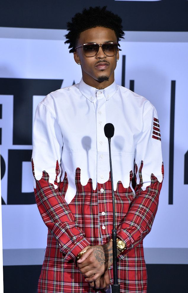 August-Alsina-wears-Roper-red-plaid-with-dip-detail-shirt-at-BET-AWARDS-2014-Awards-Show-1