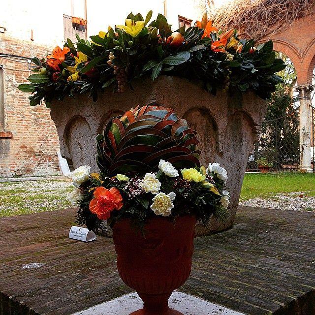 @aldomodo_#Ferrara inaugurata oggi l'edizione 2015 del Carnevale Rinascimentale, con l'allestimento floreale curato dal Garden Club #ig_ferrara #igersferrara #igersemiliaromagna #ig_emiliaromagna #turismoer #vivoferrara #comunediferrara #visitferrara #RinasciFE2015 #carnevalerinascimentale