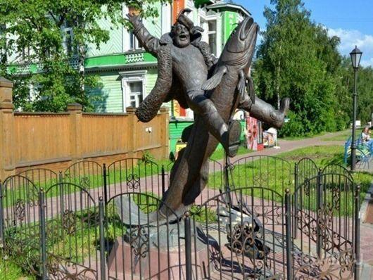 Памятник налиму, Архангельск