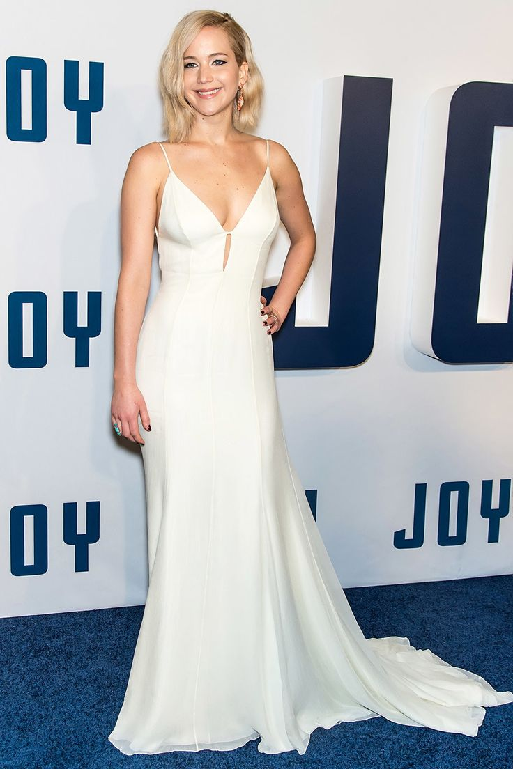 Jennifer Lawrence is a Joy in this Dior Couture gown for the premier of her new movie | December 18, 2015