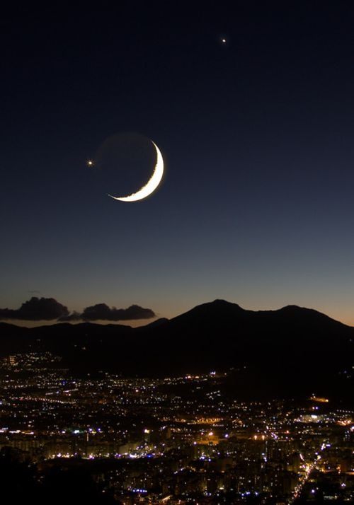 Noche de Luna: Sicily Italy, Moon, Palermo Sicily, Jupiter, Crescent Moon, Night Sky, Moonlight, The Moon, Venus