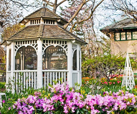 Define Spaces with Outdoor Structures - A gazebo adds another level of luxury to your outdoor oasis