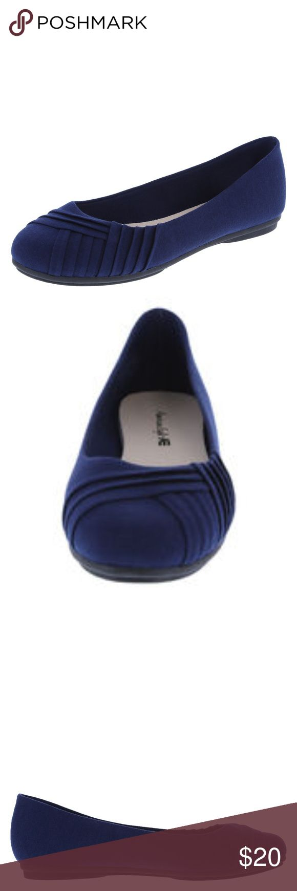 American Eagle Women's Bree Pleated Flat Shoe 9.5W American Eagle (by Payless) Women's Bree Pleated Flat Shoes in Navy. Size 9.5W. Wide Width.   Dress up your office attire with this pretty and practical staple from American Eagle. The Bree Flat features a soft fabric upper, classic round toe with pleated details, jersey lining, padded insole, and a durable outsole. Manmade materials  Brand new in Box! American Eagle By Payless Shoes Flats & Loafers