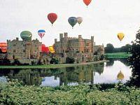 Luchtbalonnen boven de kastelen