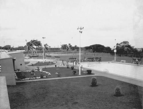 #ThrowBackThursday The very early days at the Mackay Memorial Swimming Pool which opened in December, 1963 and dedicated to the fallen of Mackay. Did you know champion swimmers Geoff Huegill and Linda Single both trained here?