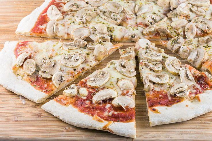 Pizza funghi (pizza met champignons) - ohmydish.nl