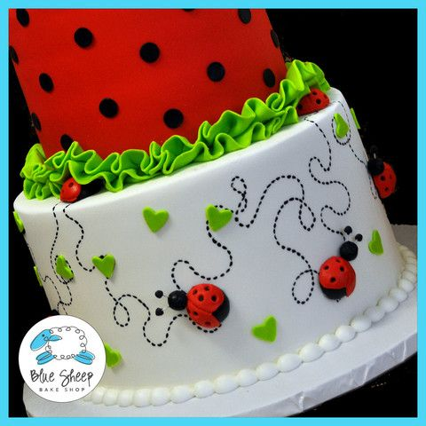 Ladybug Birthday Cake | ... white with lime hearts and a pretty little lady bug front and center