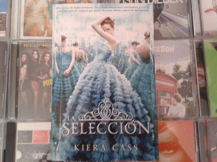 """""""La Selección"""" escrito por Kiera Cass:"""