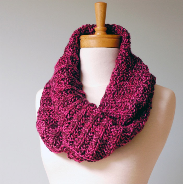 Warm and cozy fisherman cowl for men and women: http://lizajlee.com/images/fishermancowl.pdf