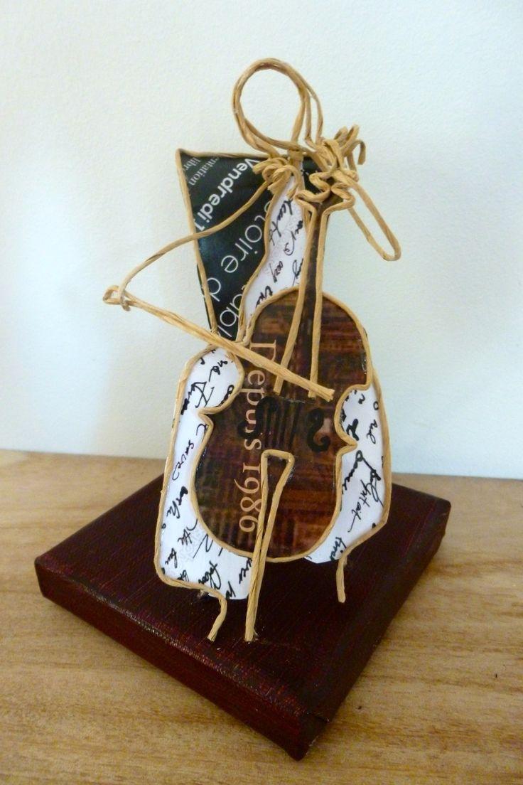 La violoncelliste - figurine en ficelle et papier