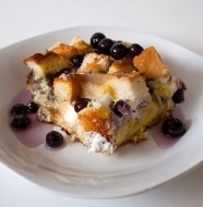 Crock Pot Blueberry French Toast - follow this link the cinnamon apple oatmeal YUM