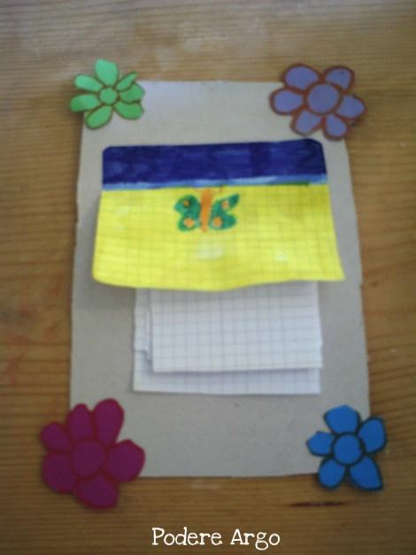 Block notes prendi appunti da appendere fatto con cartone riciclato e fogli a quadretti bianchi
