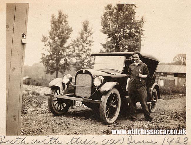 Dodge sedan and mechanic in 1923