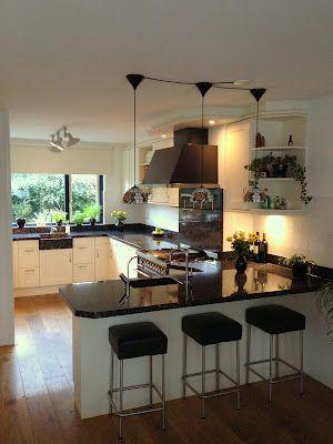 U-vormige keuken met zitplek