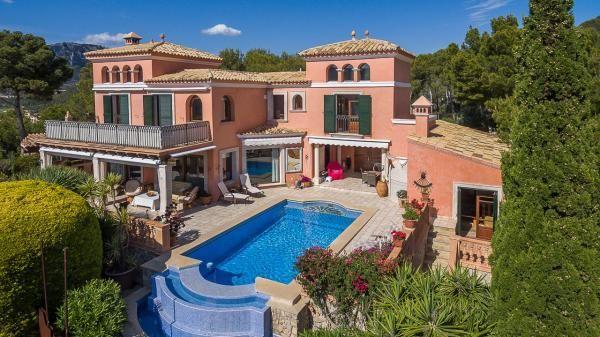 #Romantic #villa with unbeatable sea views in Camp de Mar. #luxury #realestate #paradise
