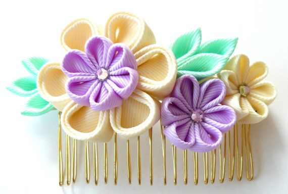 Kanzashi Fabric Flower hair comb . Ivory orchid and mint. by JuLVa