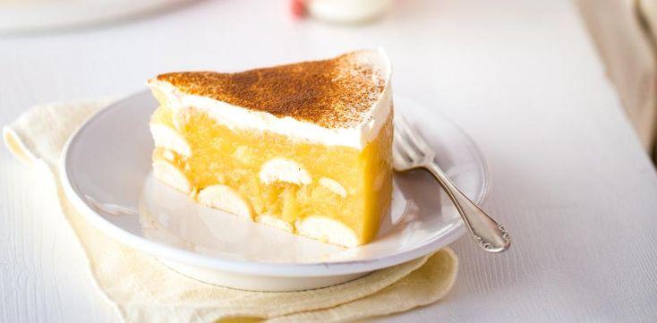 jablečný dort bez pečení - jablka 1 kg,(na kousky, 10 min vařit ve 200 ml vody+ krupicový cukr 8 lžic, rozšťouchat, citron. šťáva 2 lžičky), pudink 2x (ve 400 ml stud. vody, povařit krátce s jablky), piškoty 1 bal., smetana kysaná 2x + cukr vanilkový, rum pár kapek, skořice nahoru, vychladit 5 hod.