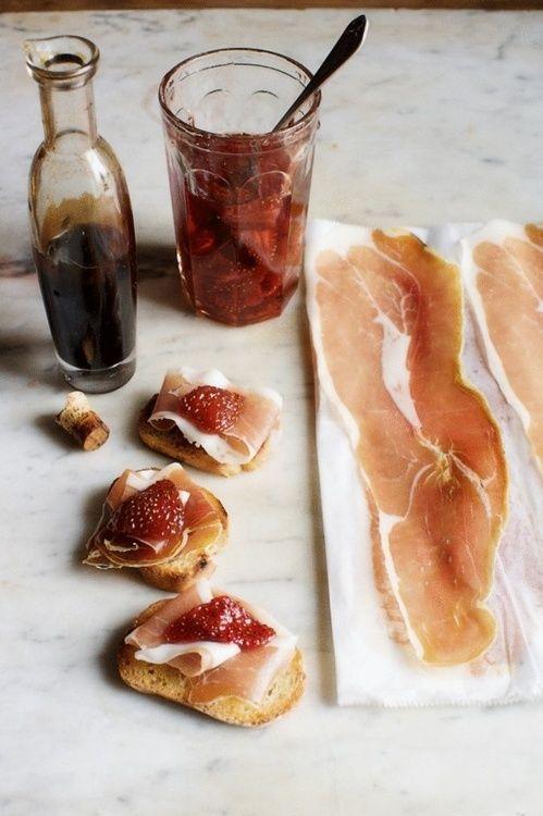 Crostini with Serrano Ham, Strawberry Preserves & Balsamic Vinegar - via www.murraymitchell.com