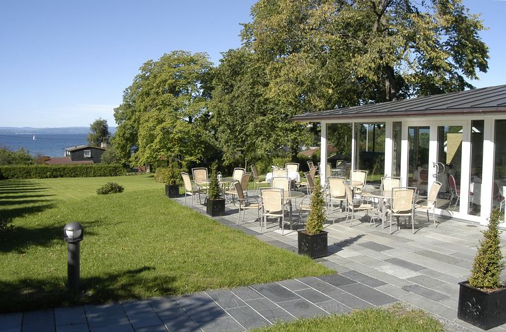 Our beautiful pavilion, a glass pavilion in the garden. Perfect for a spring/summer wedding with a panorama view.