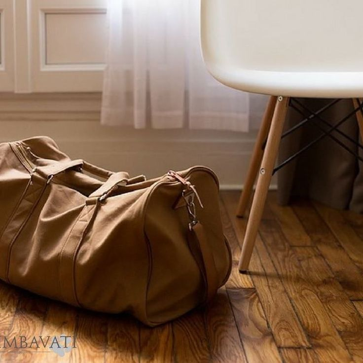 #TravelTips for Safari  Do not overpack. Neutral tones in light fabrics are ideal for the hot safari days. After dark the temperature drops so we recommend layering and always bring a lightweight waterproof jacket. We do provide cozy blankets on game drives. . . . #Travel #TravelGram #Safari #Bush #Simbavati #AfricanSafari #Packing #Luggage #Airport #Traveling