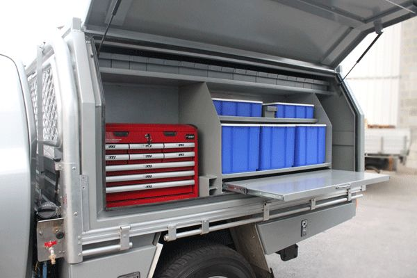 M2O - Custom-made toolbox/canopy